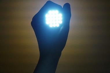 LEDブルーライト